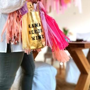 Wine Bag Mama needs Wine